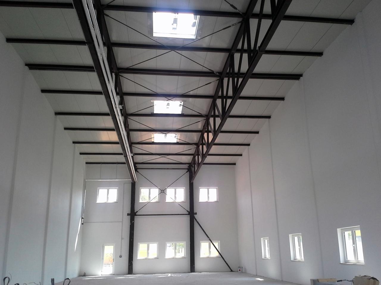 Stahlrahmenkonstruktion im Hallentrakt | KERN INGENIEURE